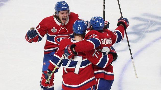 Hokejisté Montrealu Canadiens slaví první vítězství ve finálové sérii bojů o Stanley Cup. Doma vyhráli nad Tampou Bay 3:2 v prodloužení.
