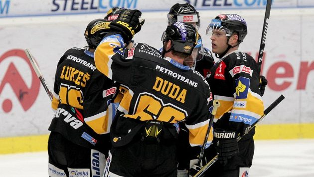 Hokejisté Litvínova sice vyhráli na ledě Vítkovic, ale baráži o extraligu se nevyhnuli.
