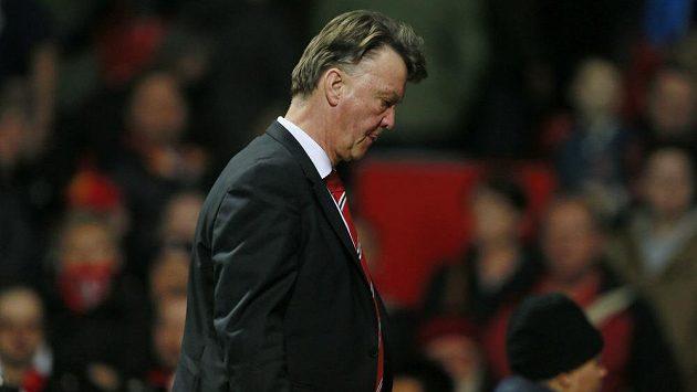 Zklamaný manažer fotbalistů Manchesteru United Louis van Gaal.