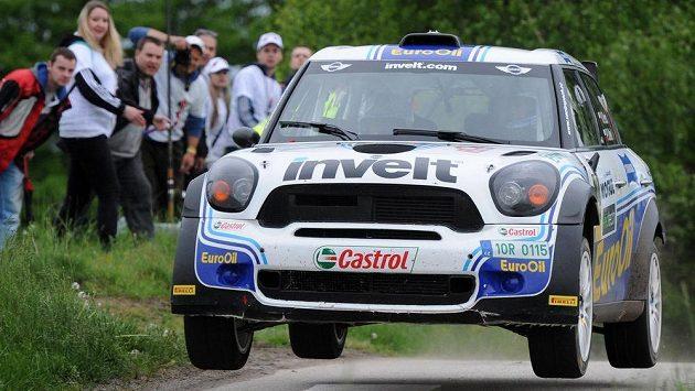 Václav Pech s Mini John Cooperem Work 2000 během Rallye Český Krumlov při rychlostní zkoušce zvané Col de Svatý Ján u obce Malče.