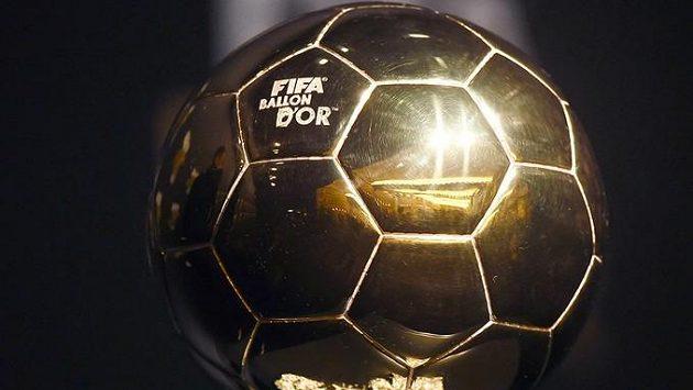 Zlatý míč pro nejlepšího fotbalistu světa nebude letos kvůli pandemii koronaviru udělen.