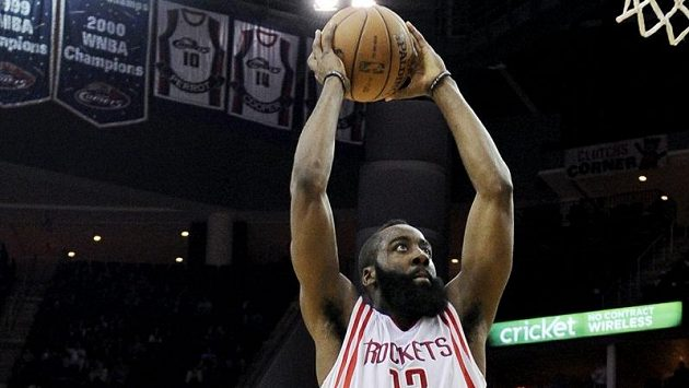 Rockets k výhře dovedl James Harden s 31 body.
