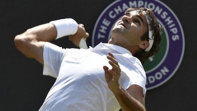 Švýcarský tenista Roger Federer (na snímku) nastoupí ve čtvrtfinále Wimbledonu proti krajanovi Wawrinkovi.