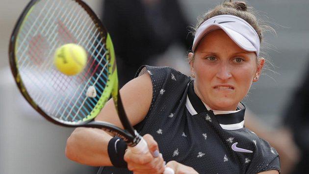 Markéta Vondroušová ve čtvrtfinálové bitvě na French Open.