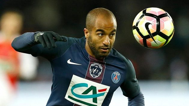 Lucas Moura, brazilský fotbalista, který hraje za Paris Saint-Germain, se stal vyslancem ledního hokeje při MS, které pořádá Paříž a Kolín nad Rýnem.