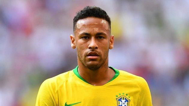 Neymar během zápasu mistrovství světa s Mexikem.