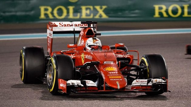 Sebastian Vettel s ferrari hodlá v nové sezóně zaútočit na titul mistra světa.