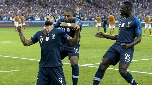 Olivier Giroud se raduje z vedoucí branky