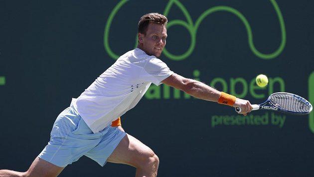 Český tenista Tomáš Berdych v semifinále turnaje v Miami proti Andymu Murraymu.