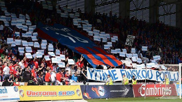 Plzeňští fanoušci během utkání s Jihlavou přivítali finskou posilu Peltavena...