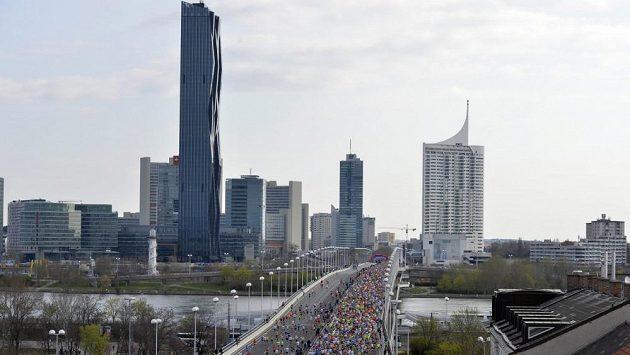 Andy se zúčastní největší běžecké akce v zemi.