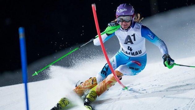 Šárka Strachová při lednovém slalomu SP v rakouském Flachau.