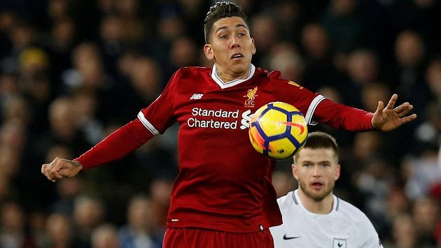 Fotbalisté Liverpoolu v posledních minutách duelu s Tottenhamem čelili hned dvěma penaltám. Zápas Premier League pak skončil 2:2.