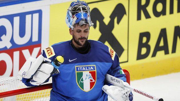 Italský brankář Andreas Bernard na snímku z utkání s Nory.