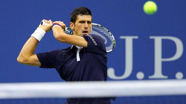 Novak Djokovič se na hlavním dvorci Arthura Ashe utká s obhájcem titulu Marinem Čiličem z Chorvatska.