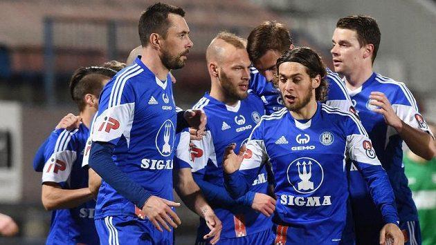 Fotbalisté Olomouce se radují z gólu (ilustrační foto).