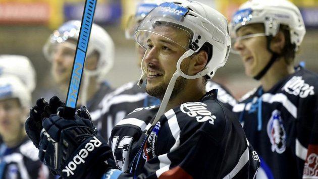 Jan Kovář z Plzně se raduje z vítězného utkání - ilustrační foto.