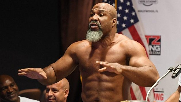 Shannon Briggs chce Tysona Furyho, kterého nazval velrybou.