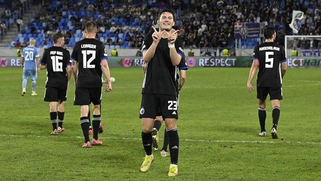 Kodaňský Jonas Wind se raduje po gólu proti Slovanu.