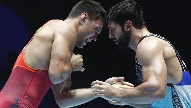 Zápasník v řeckořímském stylu Michal Novák zvládl na mistrovství světa v Paříži úvodní kolo a ve váze do 66 kilogramů si zajistil postup do osmifinále. Jeho staršímu bratru Petrovi naopak vstup do turnaje nevyšel (ilustrační foto).