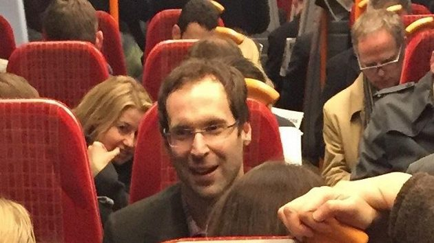 Petr Čech ve vlaku - takovou situaci spatřili londýnští cestující.