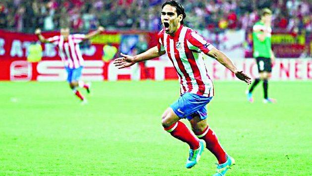 Kolumbijský snajpr Radamel Falcao z Atlétika Madrid se blýskl v duelu proti Bilbau hattrickem