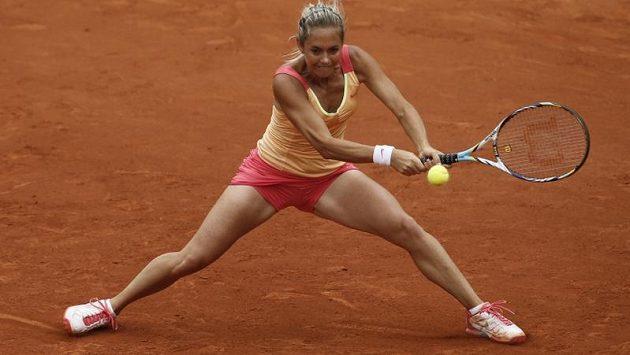 Klára Zakopalová na Roland Garros během utkání se Šarapovovou