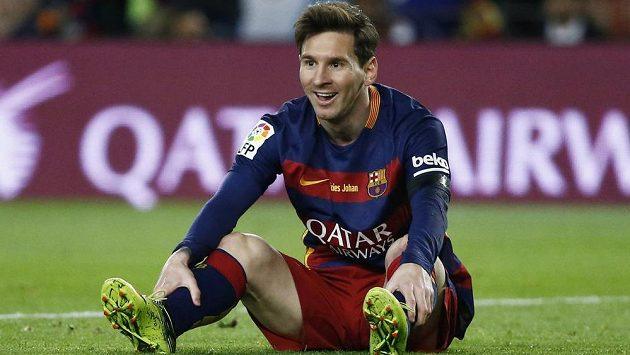 Barcelonský Lionel Messi při utkání s Realem Madrid.