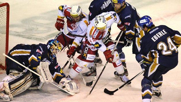 Hokejisté Kladna přivítají v 1. kole nadcházející sezóny první ligy pražskou Slavii - ilustrační foto.