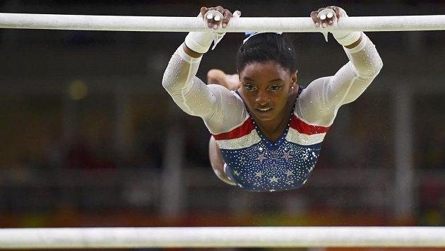 Americká sportovní gymnastka Simone Bilesová.