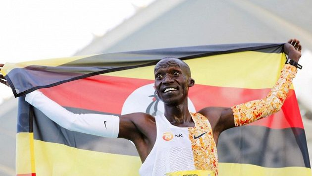 Novopečený světový rekordman na silniční pětce Joshua Cheptegei se chystá na mistrovství v půlmaratonu.
