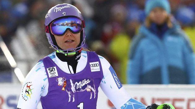 Šárka Strachová v cíli druhého kola slalomu ve finském Levi.