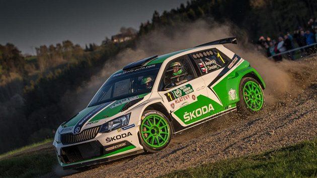 Ilustrační snímek - Jan Kopecký se Škodou Fabia R5 na trati Šumavské rallye 2015.