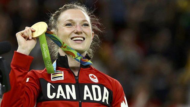Kanaďanka Rosannagh MacLennanová, vítězka olympijské soutěže ve skocích na trampolíně.