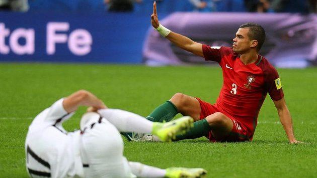 Portugalský obránce Pepe po deseti letech opustil Real Madrid. I na mezinárodní scéně dokázal pořádně přitvrdit, což potrvdil na nedávném Poháru FIFA.