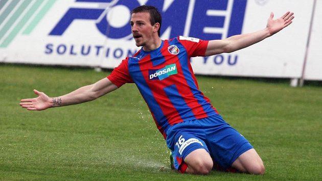 Plzeňský záložník Vladimír Darida se raduje ze vstřelení gólu.