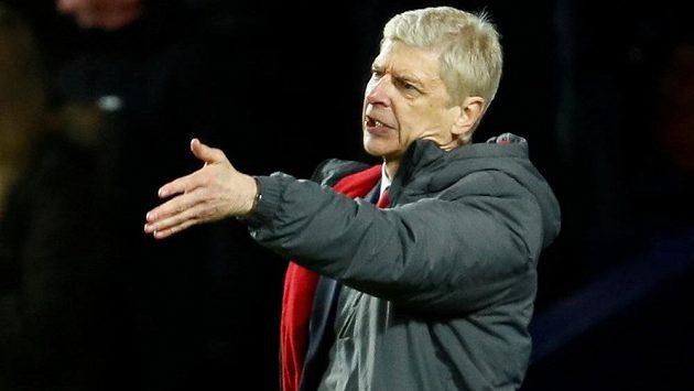 Manažer Arsenalu Arséne Wenger byl opět nespokojený s výkonem rozhodčího. Myslí si, že v derby s Chelsea, neměl tým Blues zahrávat penaltu.