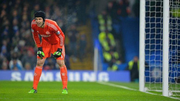 Brankář Chelsea Petr Čech se objevil v bráně Blues už ve třetím zápase v řadě.