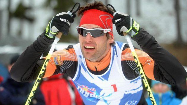 Finále mužů exhibičního závodu Red Bull Nordix ve Špindlerově Mlýně vyhrál český běžkař Dušan Kožíšek.