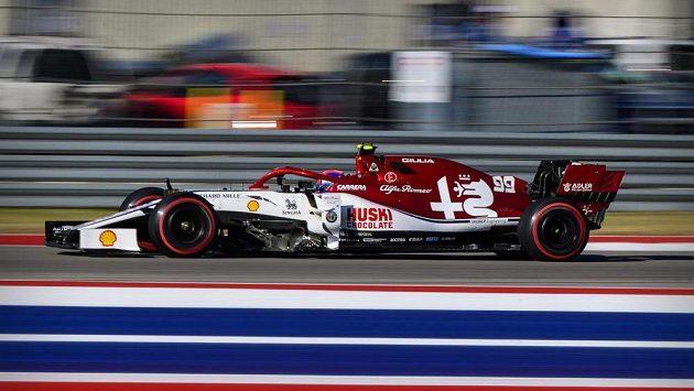 Antonio Giovinazzi z Itálie při závodě v Austinu.