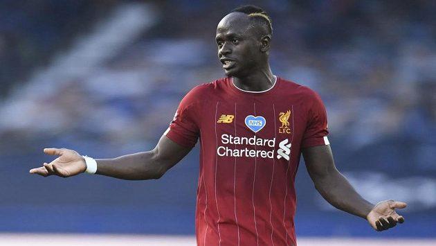 Útočník Liverpoolu Sadio Mané se na začátku derby s Evertonem hodně divil. Zapomněl totiž na dohodnuté gesto.