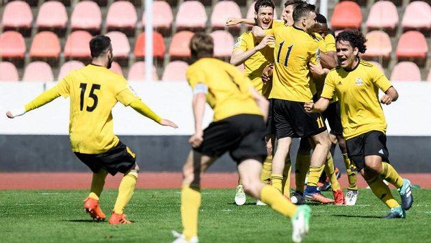 Fotbalisté Olympie sice slavili záchranu, nakonec ale budou hrát jen ČFL. Druhou nejvyšší soutěž budou hrát Vítkovice.