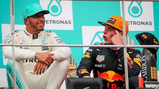 Lewis Hamilton a Max Verstappen (vpravo).