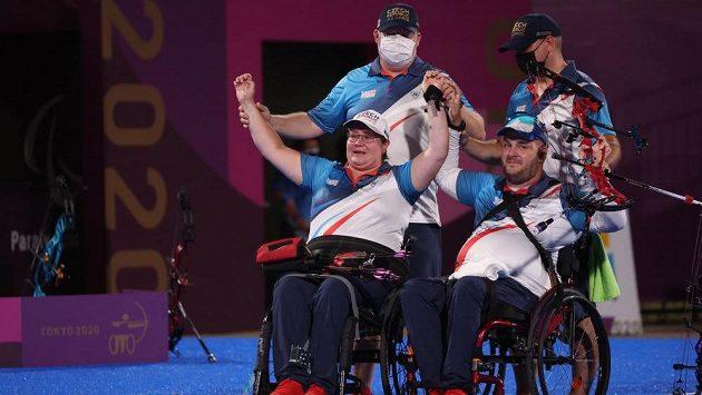 Lukostřelci Drahonínský s Musilovou získali na paralympiádě stříbro v mixu
