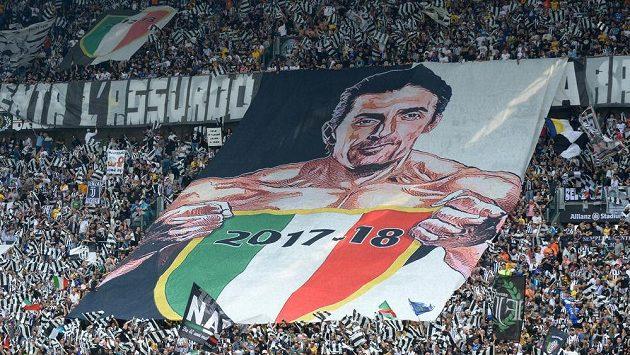 Rozlučka Gianluigiho Buffona byla jasným leitmotivem posledního utkání Juventusu v sezóně.