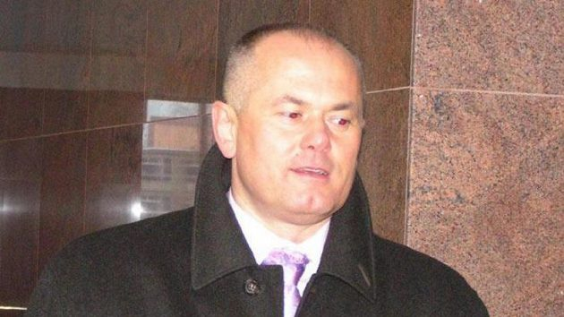 Obžalovaný manažer Slavie Puček přichází ksoudu.