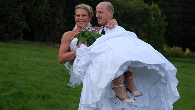 Tyčkařka Jiřina Ptáčníková, mistryně Evropy 2012, se provdala za překážkáře Petra Svobodu, halového mistra Evropy z roku 2011.
