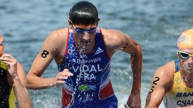 Triatlonista Laurent Vidal po infarktu zemřel.