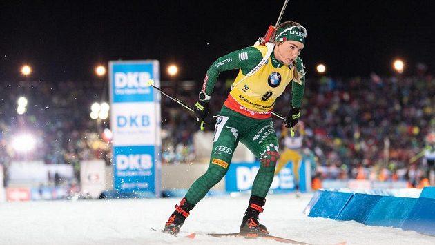 Dorothea Wiererová během stíhacího závodu v rámci Světového poháru v biatlonu v Novém Městě na Moravě.