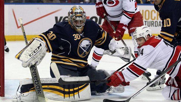 Dlouhodobě jeden z nejlepších brankářů NHL Miller po letech vymění dres Sabres.
